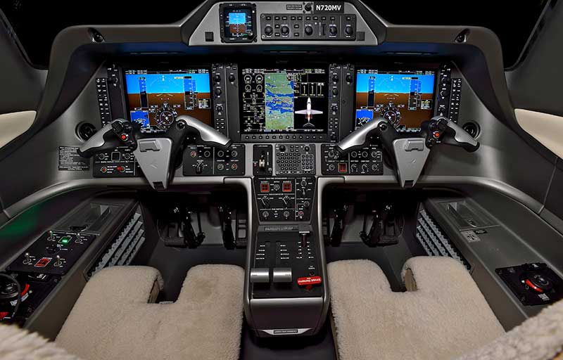 Embraer Phenom 100 model image /hal/userfiles/images/model-slides/106-1.jpg
