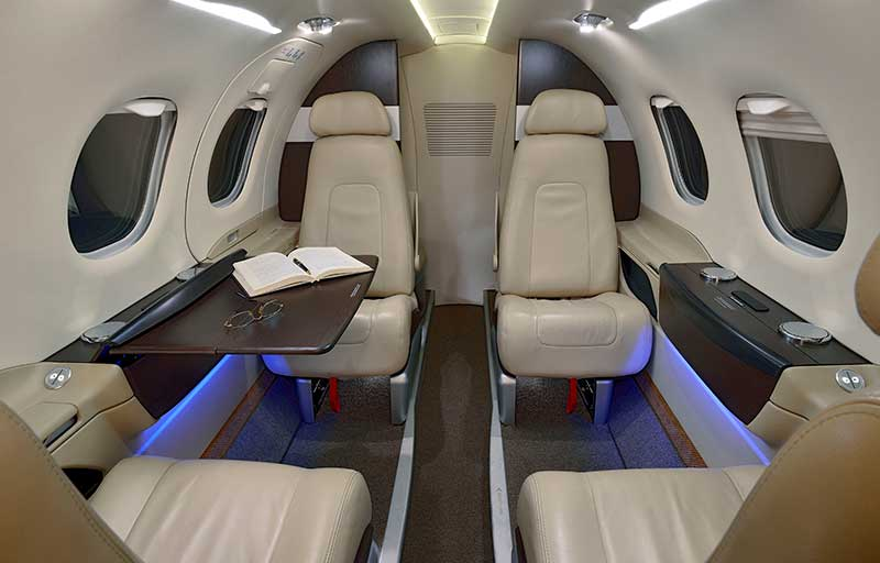 Embraer Phenom 100 model image /hal/userfiles/images/model-slides/106-2.jpg