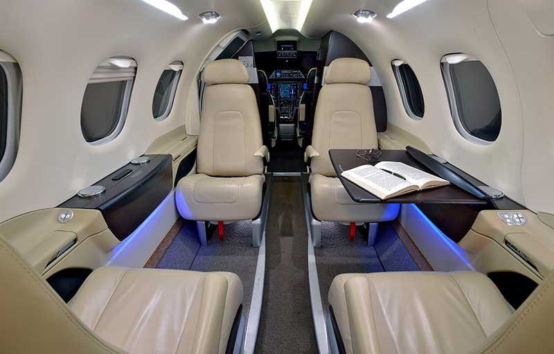 Embraer Phenom 100 model image /hal/userfiles/images/model-slides/106-3.jpg