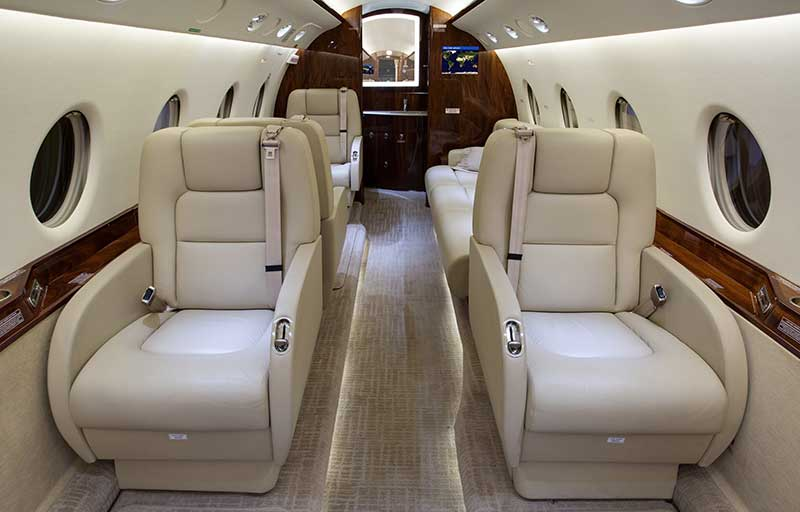 Gulfstream G200 model image /hal/userfiles/images/model-slides/127-2.jpg