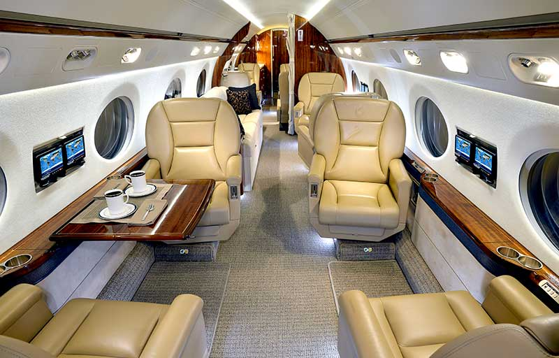 Gulfstream G550 model image /hal/userfiles/images/model-slides/132-2.jpg