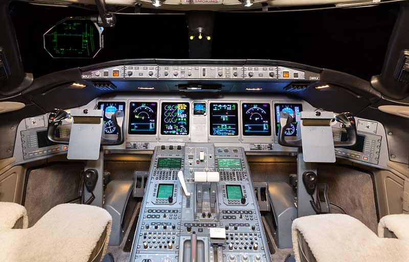Bombardier Global 5000 model image /hal/userfiles/images/model-slides/49-1.jpg