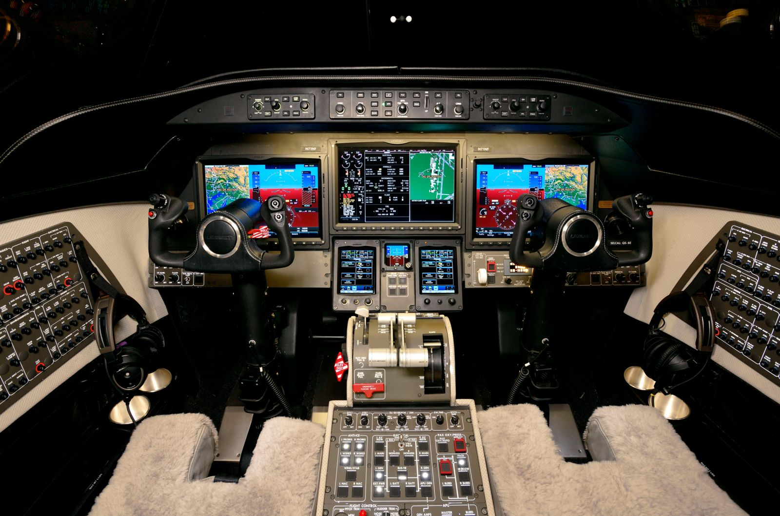 Bombardier Learjet 75  S/N 45-523 for sale | gallery image: /userfiles/files/specs/Lear75/cptb_300retouched.jpg