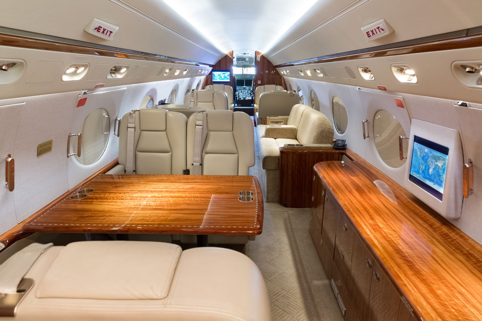 Gulfstream G450  S/N 4127 for sale | gallery image: /userfiles/images/G450_4127/aft%20fwd.jpg
