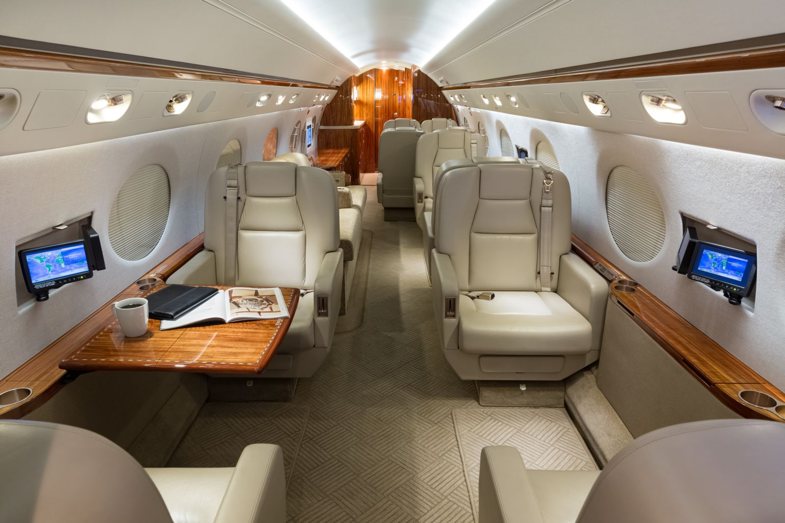 Gulfstream G450  S/N 4127 for sale | gallery image: /userfiles/images/G450_4127/fwd%20aft.jpg