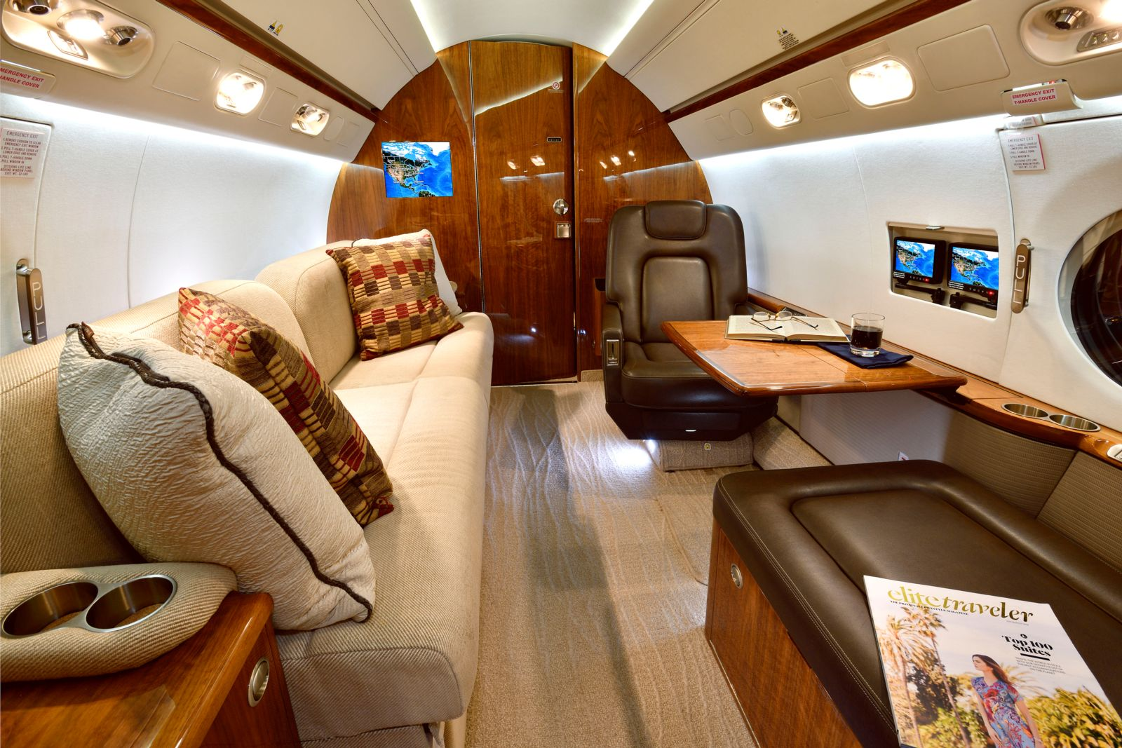 Gulfstream G550  S/N 5211 for sale | gallery image: /userfiles/images/G550_SN_5211/int10d_300.jpg