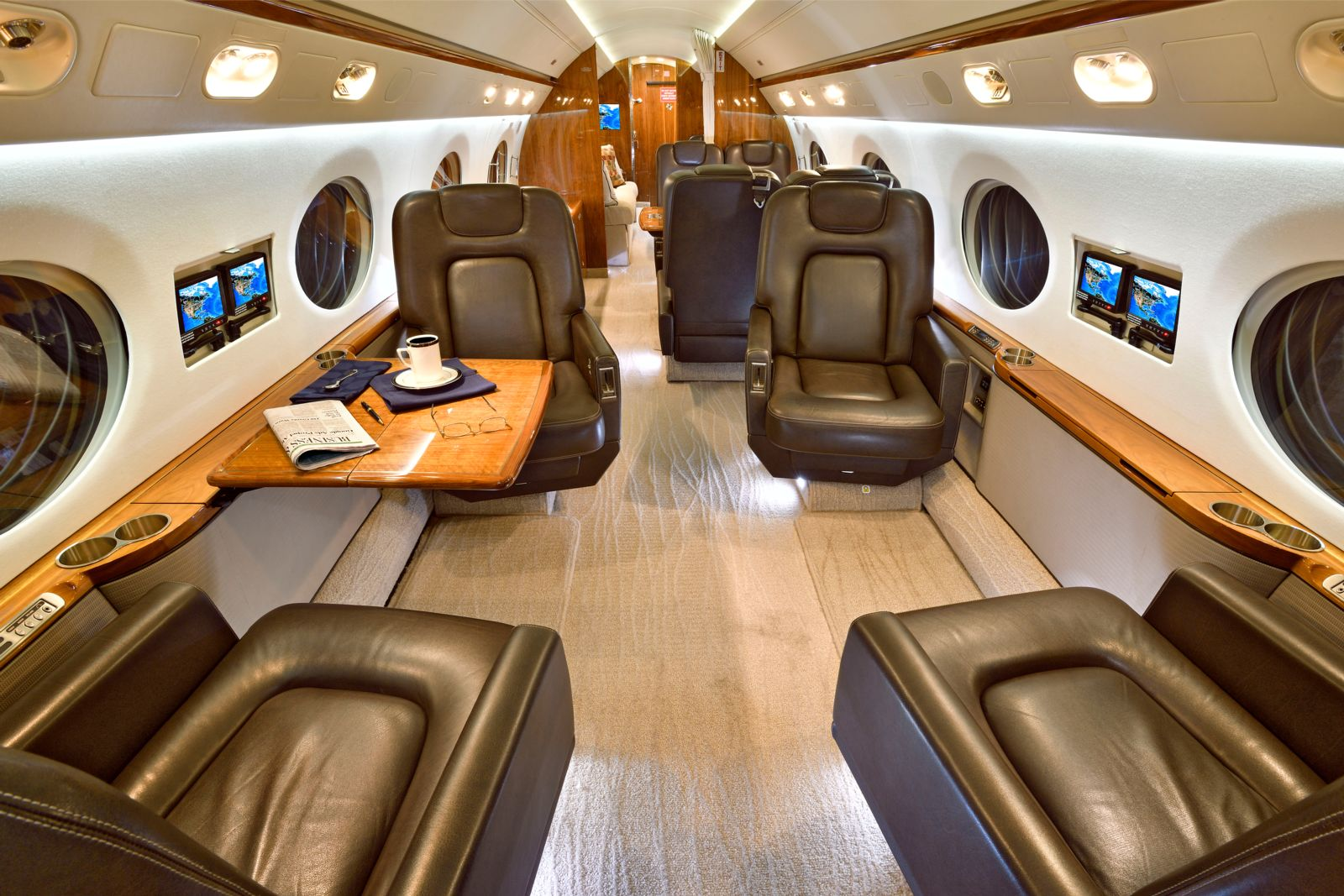 Gulfstream G550  S/N 5211 for sale | gallery image: /userfiles/images/G550_SN_5211/int1b_300.jpg
