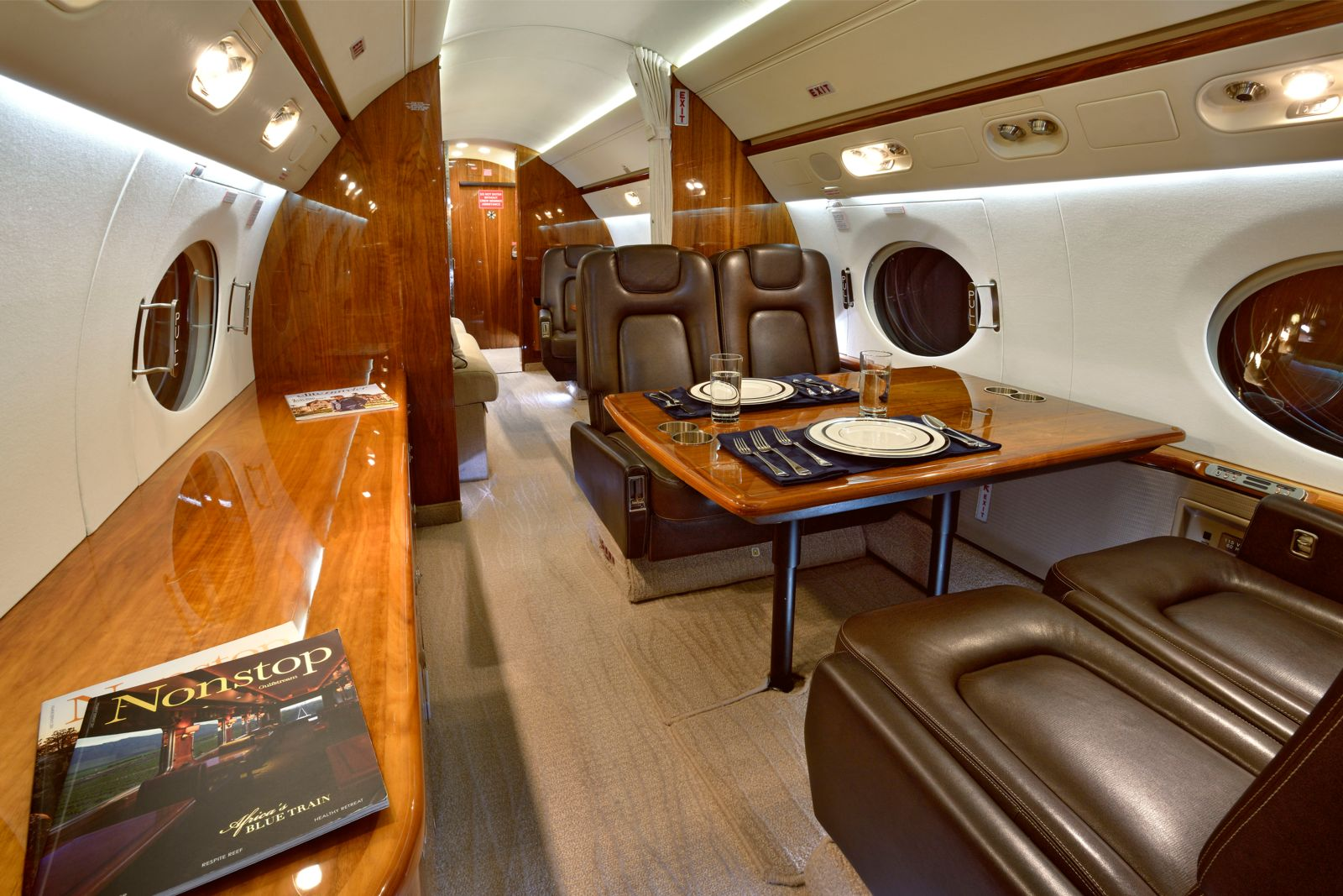 Gulfstream G550  S/N 5211 for sale | gallery image: /userfiles/images/G550_SN_5211/int8b_300.jpg