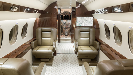 Dassault Falcon 900B  S/N 119 for sale | gallery image: /userfiles/images/aircraft-listing/F900B_sn119/fwd%20fwd.jpg