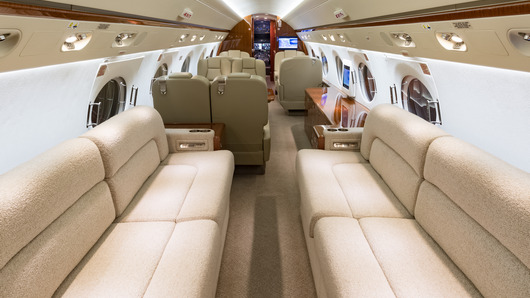Gulfstream G550  S/N 5234 for sale | gallery image: /userfiles/images/aircraft-listing/G550_sn5234/aft%20fwd.jpg