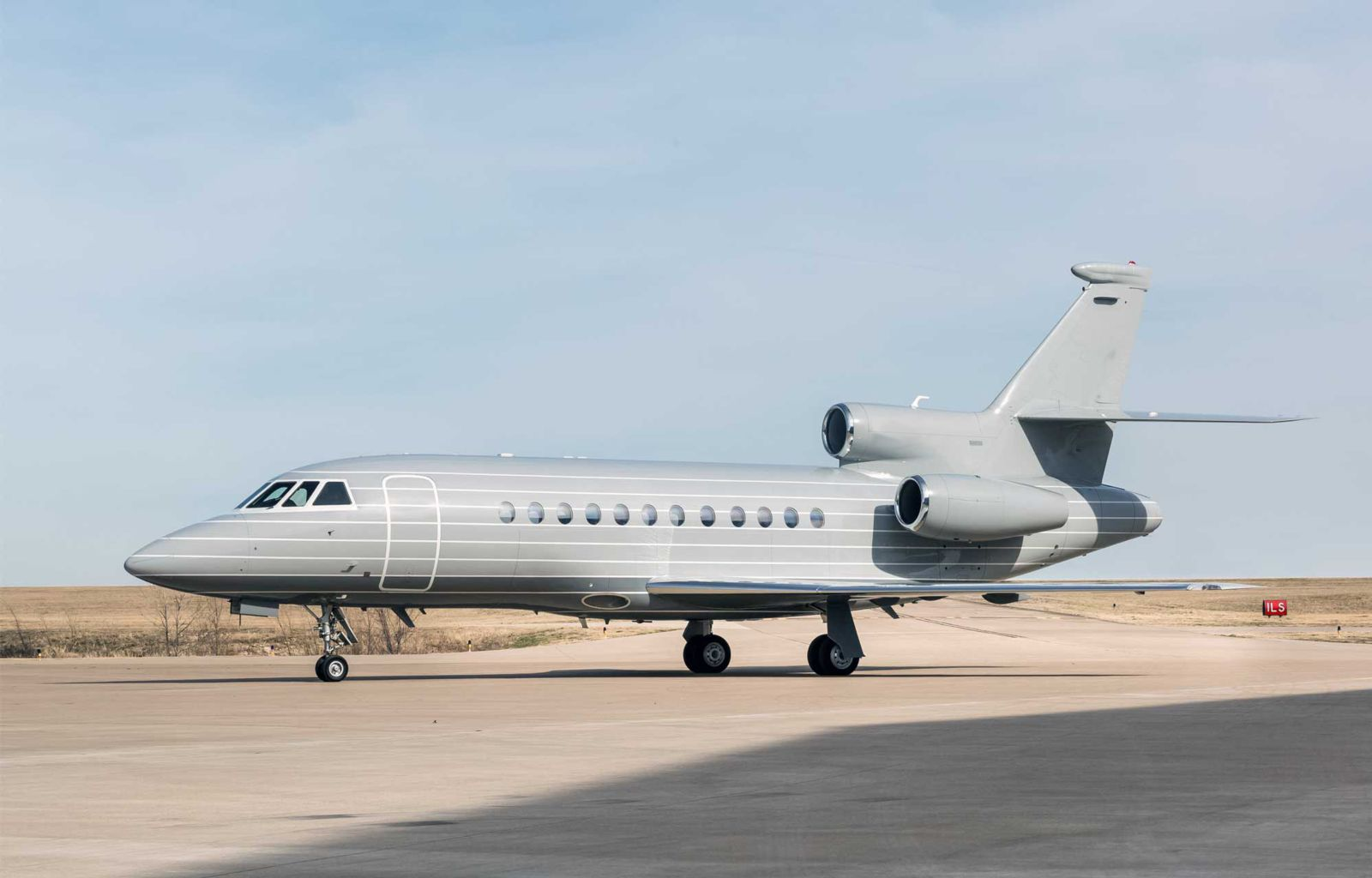 Related model: Dassault Falcon 900EX